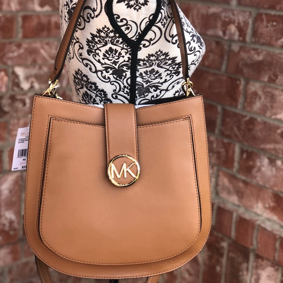 7bc5bf18928ec0 Michael Kors Bags | Lillie Large Hobo Messenger Bag | Poshmark